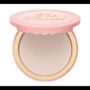 Primed poreless pressed powder from TooFaced
